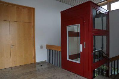 Aufzug im Pfarrzentrum (Foto: M. Pilgram)