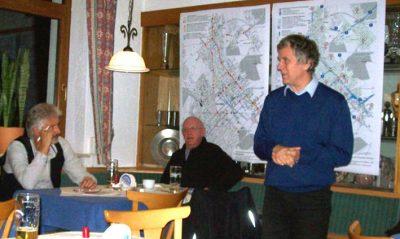 Herbert Gebauer, Peter Unger und Hubert Laux (stehend)