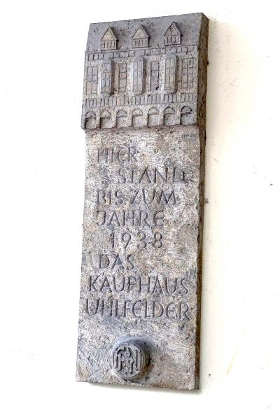 Denkmal Kaufhaus Uhlfelder (Foto: M. Pilgram)