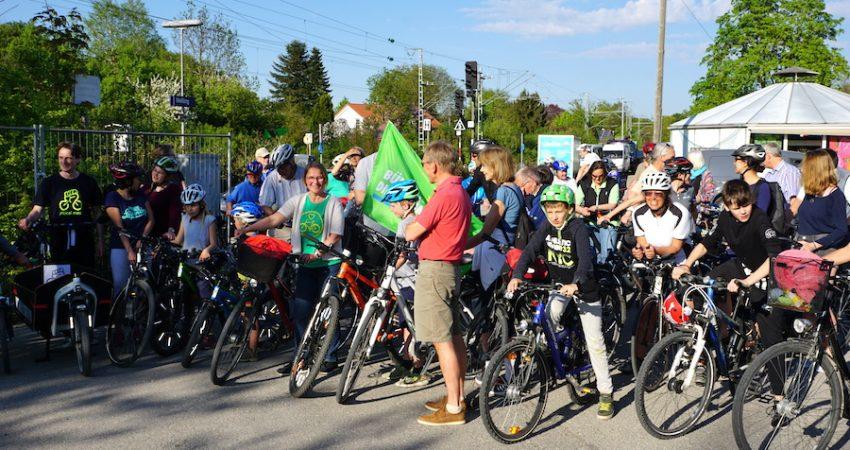 Gruppenbild von der Critical Mass Veranstaltung in Weßling (Foto: M.Pilgram)
